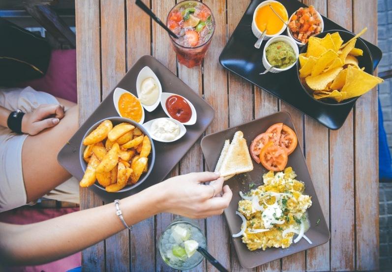 food-salad-restaurant-person-large